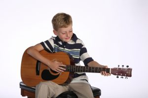Kids guitar lessons in Winnipeg